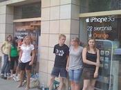 Orange paie acteurs pour faire queue Pologne