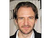 "Choc ""Titans"" entre Liam Neeson Ralph Fiennes"