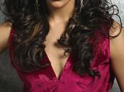 Deepika Padukone bien plus belle qu'Angelina Jolie