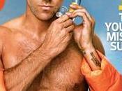 Ryan Reynolds exhibe muscles tuba