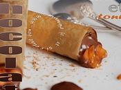 Tubes croustillants chocolat fort, tonka abricots frais