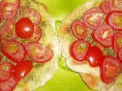 Tartelettes chorizo, tomates cerises, pesto