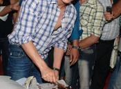 Récapitulatif: comment Shahrukh Khan a-t-il fêté ans.