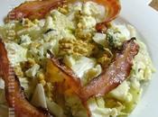 Copieuse salade d'hiver endives, roquefort, noix lard croustillant