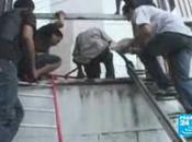 Thailande feu, chemises rouges resistent