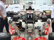 Publicité Lewis Hamilton Jenson Button jouent mécanos pour Vodafone