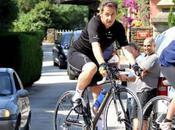 Eric Woerth caravane tour France) passe… public siffle