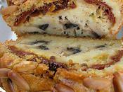 Cake champignons, tomates séchées, pignons courgettes