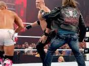 Kane attaque Bret Hart