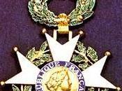 pute, soumise, mais chevalier légion d'honneur (avec Boutin présidente d'HADOPI...)