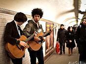 What About Penguins dans métro (Bastille. Décembre 2010)