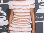 WOW… Rihanna moitié Grammy Awards