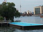 Badeschiff piscine dans fleuve