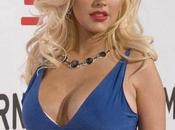 Christina Aguilera généreuse