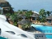 Tropical Paradise Island yacht luxe forme d'île tropicale