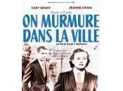 murmure dans ville (1951)