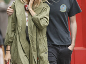 Sienna Miller relance mode parka pense quoi