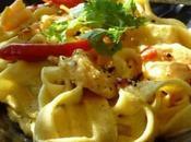 Tagliatelles crevettes, sauce curry