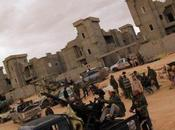 LIBYE pro-Kadhafi prennent contrôle Bani Walid