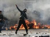 Souk Tenine Violents heurts entre jeunes policiers