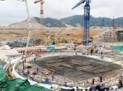 Eric Besson défend prolongement centrales nucléaires