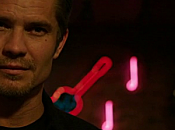 """Guy Walks Into Bar"" (Justified 3.10)"
