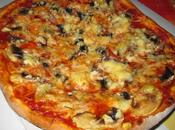 Pizza champignons/bacon/gruyère