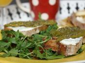 Tartine pain campagne fromage frais, asperges pesto