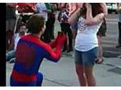 demande mariage façon Spiderman video
