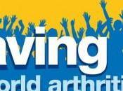 Saluez main pour journée mondiale l'arthrite