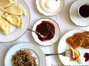 Petit déjeuner russe: vareneki, sirniki kacha