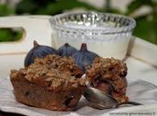 Petits pains moelleux figues, pomme reinette, noisettes glaçage croustillant cardamome pour petit-déjeuner gourmand.