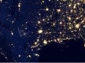 Suomi offre vision éclairée nuit Terre