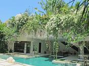 Poser valises Bali… dans Villa Chocolat