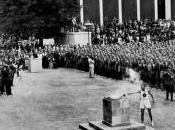 Owens, l'athlète noir face Hitler