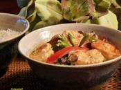 GAMBAS TIGREES CURRY ROUGE & LEGUMES CROQUANTS (Thaïlande)