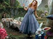 """Johnny Depp Wasikowska retour pour suite """"Alice Pays Merveilles"""", plus date sortie."""