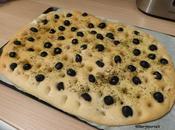 Focaccia olives noires l'origan