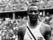 L'athlète noir défia Hitler