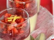 Verrines gourmandes crème rhubarbe verveine gelée d'hibiscus rose fraises citronnées