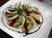 Carpaccio d'avocat, canard champignons, vinaigrette ciboulette réduction vinaigre balsamique