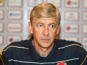 Arsenal Wenger préoccupé retard Chelsea
