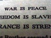 """Dieudonné: """" guerre c'est paix"""" autres saluts nazis non-inversés"""
