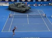 Novak Djokovic affronte tank (Open d'Australie)