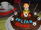 Boite avec figurine Pâte sucre d'un gâteau d'anniversaire
