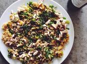 Monday healthy monday... Assiette veggie lentilles corail curry, quinoa, poireau, menthe jardin champignons crus