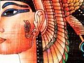 Kajal, l'accessoire beauté indispensable pour