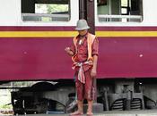 Trains thaïlande ambiance departure (diapo musical)