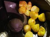 Omelette mousserons, pommes terre soufflees salade tomates