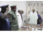 Nigeria Buhari limoge chefs d'état-major trois armées